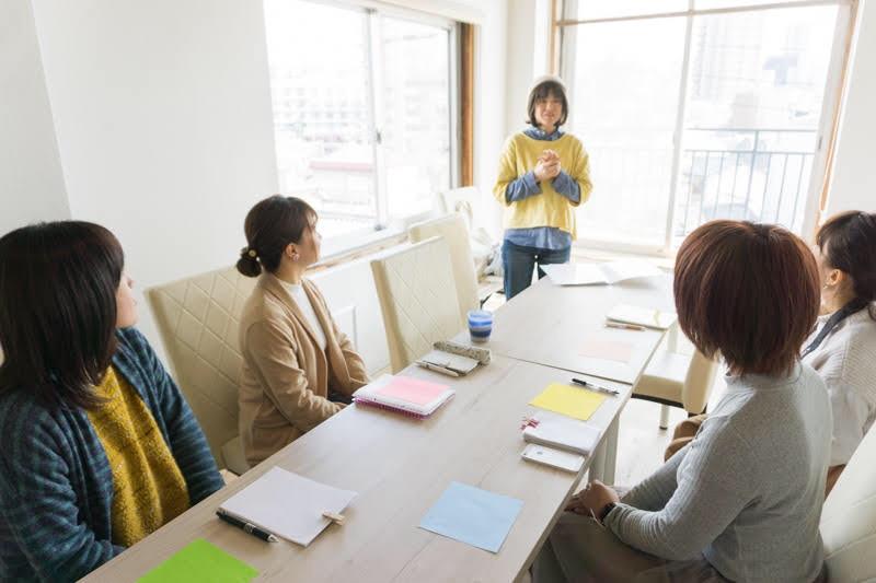 京阪枚方市駅直結のコワーキングスペース「ビィーゴ」で2019年9月に開催される「第1回ビィーゴフェスティバル」のイベント「みんなで心理テスト」講師セラピスト/ Remi:na みなこ