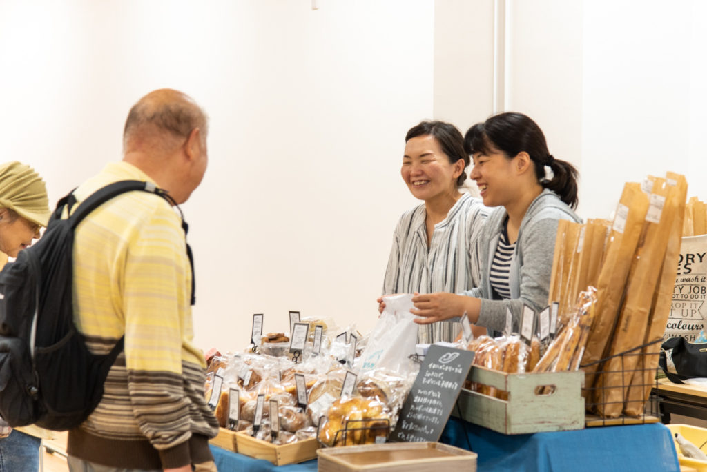 枚方・交野のパン屋さん13店舗がビィーゴに大集合「パンマルシェ vol.5」の当日の様子をレポート