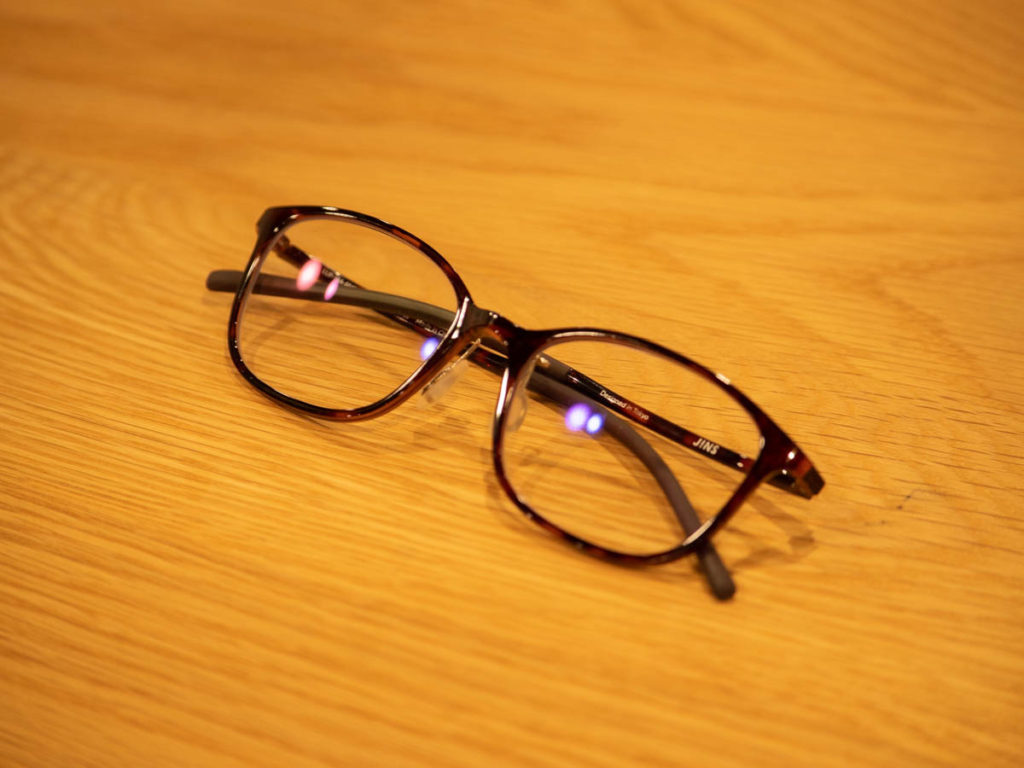 目の負担を減らすブルーライトカットのPCメガネイメージ